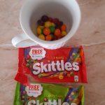 Skittles te premiaza cu un cod Google Play